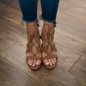 Jessica Simpson Cognac Braided Strappy Wedges